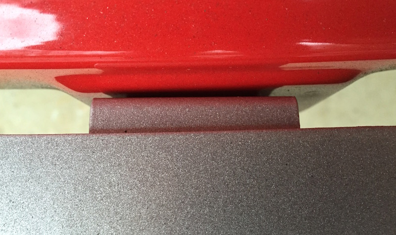 Rear roll pan mount